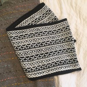 Black and White Infinity Scarf. Soft and Cozzy!